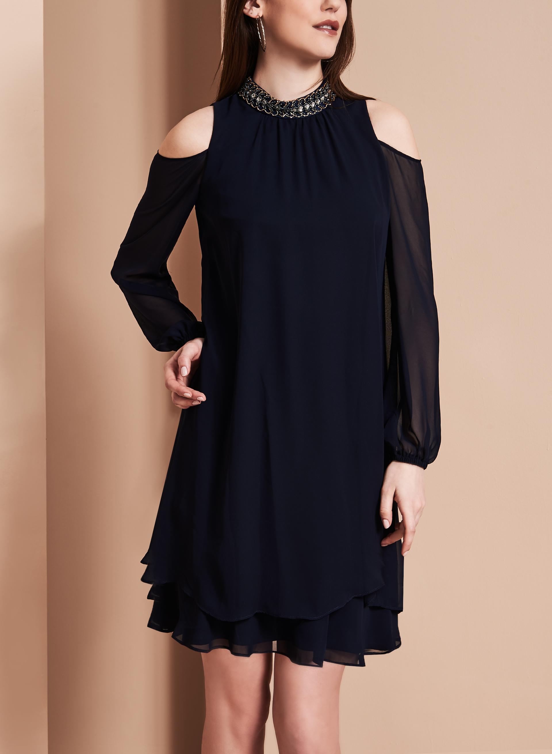 ba nites robe en mousseline de soie avec col bijou livraison gratuite melanie lyne. Black Bedroom Furniture Sets. Home Design Ideas