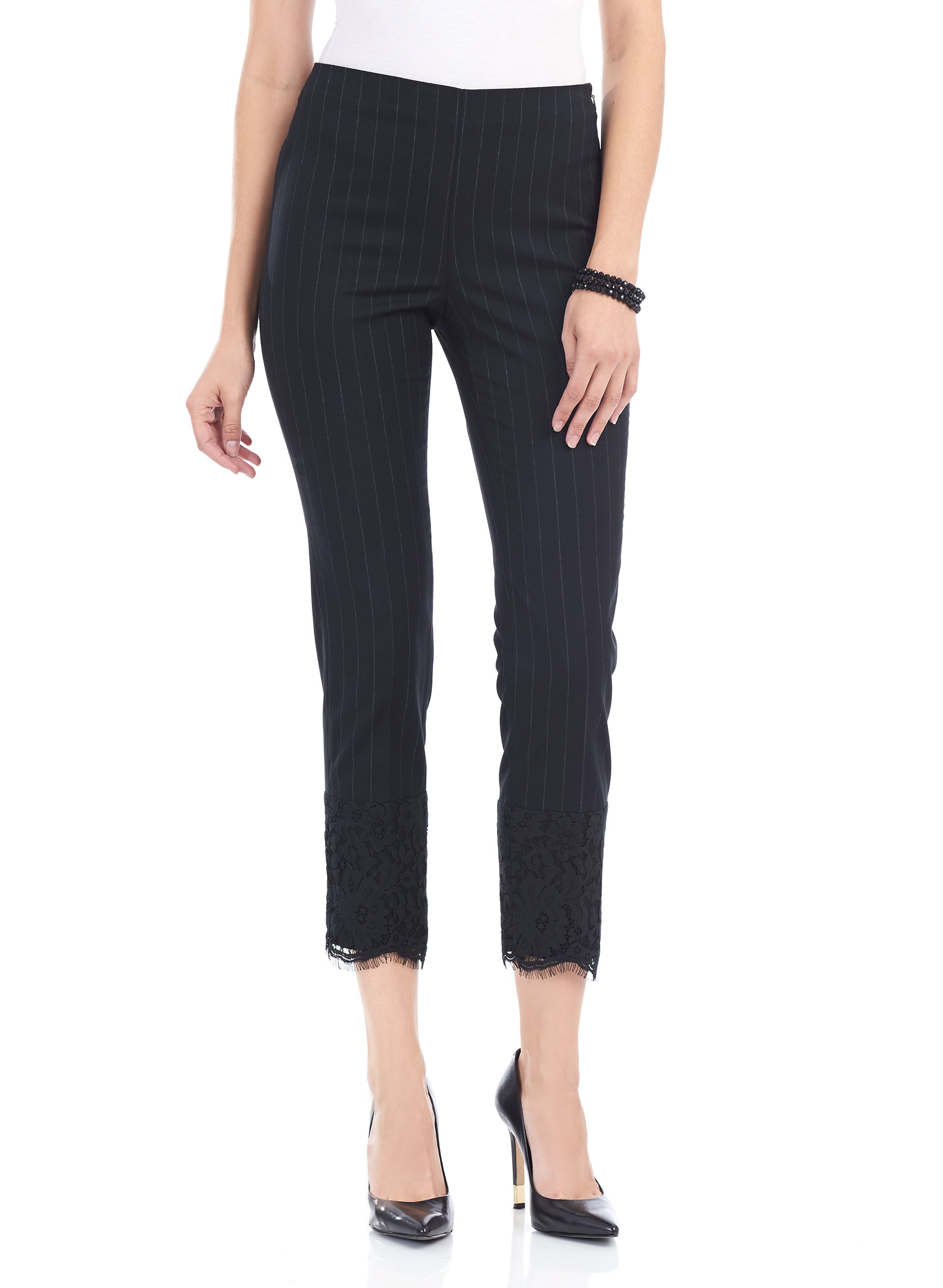 slim pants designed with a cotton stretch blend, zip detailing, multiple pockets and an ankle-cropped length.