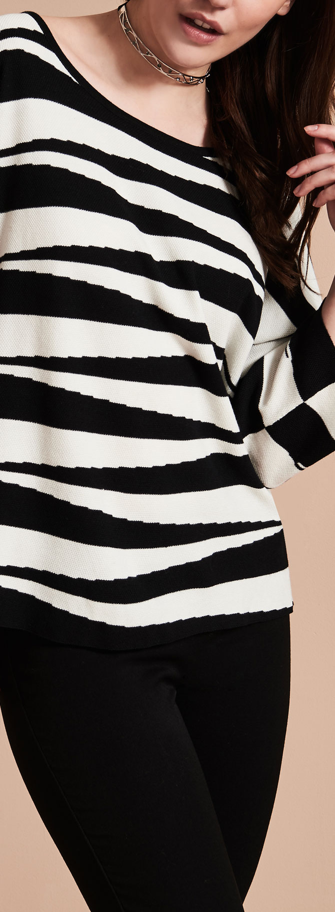 3/4 Sleeve Graphic Knit Top