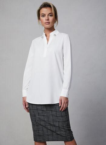 Chemisier à ourlet asymétrique, Blanc cassé, hi-res,  automne hiver 2019, chemisier, haut, blouse, chemise pour femme, boutons, popeline, asymétrique