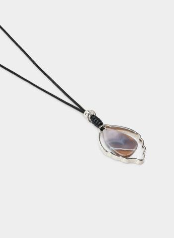 Collier long à pendentif coquillage, Gris,  collier, long, coquillage, métal, cordon en cuir, automne hiver 2019