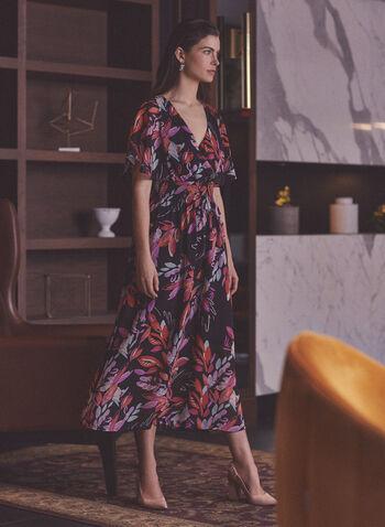 Robe à imprimé aquarelle , Noir,  robe, imprimé feuilles, motif feuilles, aquarelle, manches courtes, mousseline, taille smockée, printemps été 2021