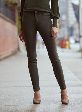 Jean à jambe étroite en denim doux, Vert,  pantalons, jeans, taille mi-haute, jambe étroite, poches, bouton, glissière, ganses pour ceinture, détails cloutés, denim extensible doux, automne hiver 2021