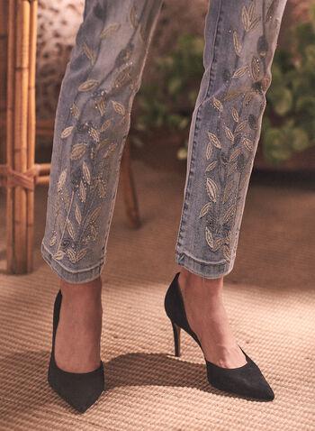 Jeans à jambe étroite et détails feuilles, Bleu,  printemps été 2021, pantalon, denim, jeans, étroit, skinny, brodé, broderies, surpiqué, feuilles, motif, cristaux, ornements, poches, taille mi-haute