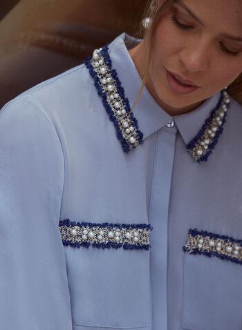 Blouse à bandes en tweed et perles, Bleu,  haut, blouse, tunique, col chemisier, manches longues, boutons, poches appliquées, pli d'aisance, bandes en tweed et perles, détail, automne hiver 2021, chic, élégant