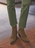 Jeans à jambe évasée et ourlet effiloché, Vert