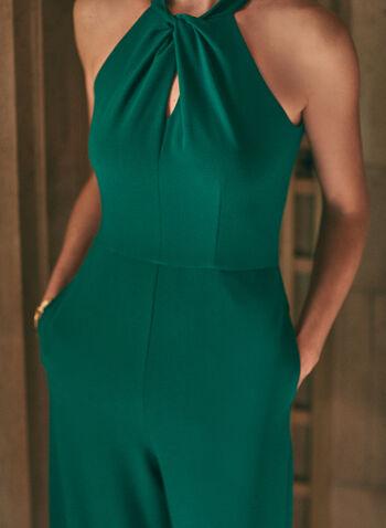 Combinaison jambe large à col torsadé, Vert,  combinaison, col ras-du-cou, jambe large, sans manches, détail torsadé, poches, crêpe, boutons, printemps été 2021