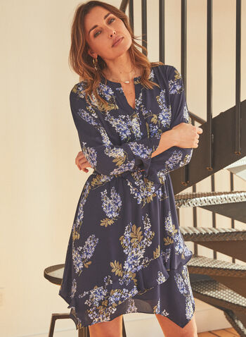 Vince Camuto - Robe cintrée et étagée à motif floral , Bleu,  printemps été 2021, robe, mousseline, taille cintrée, étagée, motif floral, fait au canada, manches longues, volants, fleurs