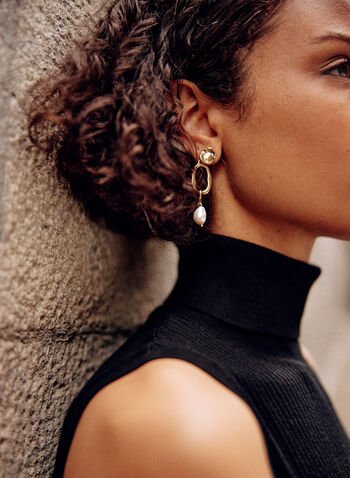 Dangle Pearl Earrings, Off White,  fall winter 2021, accessory, accessories, chain link, pearl, dangle, tier, stone, golden metal,