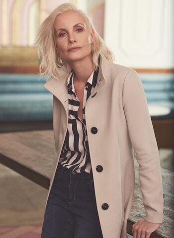 Manteau boutonné à col montant, Blanc cassé,  manteau, boutons, poches, épaulettes, printemps été 2020