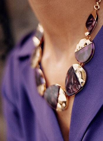 Collier court à disques en métal et résine, Violet,  accessoires, bijoux, collier, chaîne dorée, disques, métal doré, résine, collier court, automne 2021