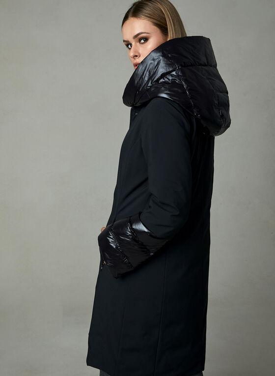 Manteau à empiècements satinés et capuchon, Noir