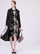 Jax - Robe avec broderies florales et épaules ajourées, Noir, hi-res