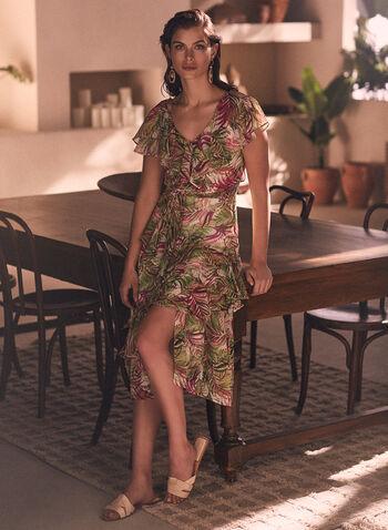 Robe à motif tropical et détails volantés, Rose,  robe, robe de jour, encolure en V, col en V, volants, étagé, ceinture, mancherons, motif tropical, imprimé, mousseline, coupe midi, printemps été 2021