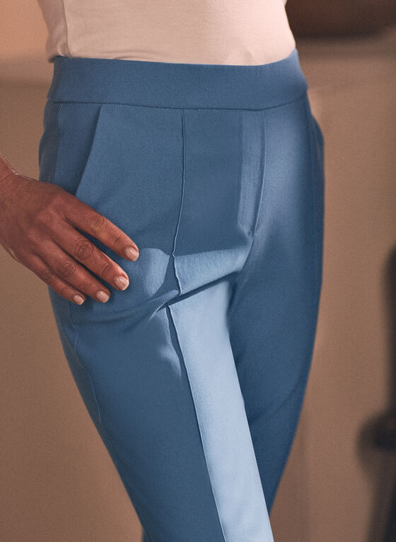 Stitch Detail Pull-On Capris, Blue
