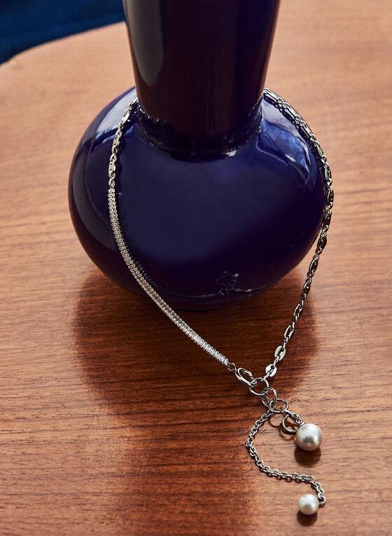 Collier à perles et pendentif , Blanc cassé