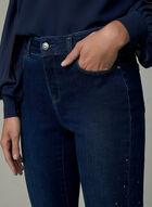 Jean Sculptant à jambe étroite avec strass, Bleu, hi-res