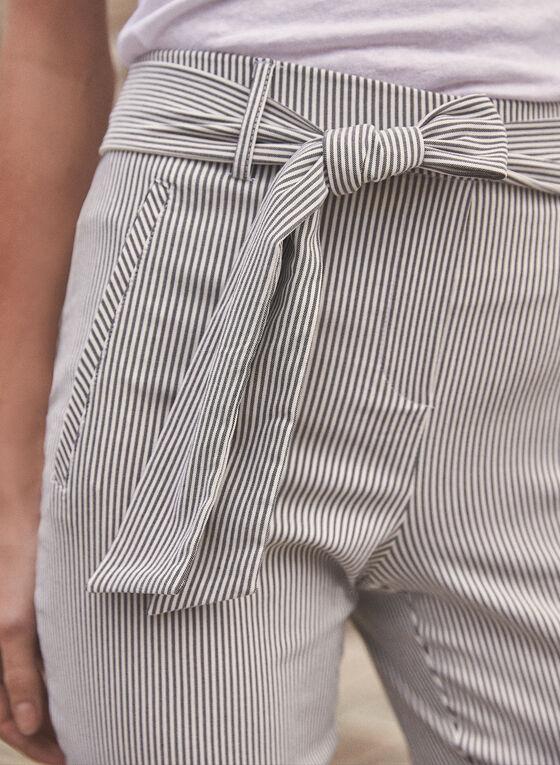 Short rayé avec ceinture à nouer, Noir