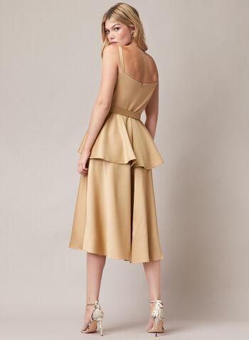 Robe satinée style péplum, Or,  robe de soirée, satin, sans manches, noeud, péplum, automne hiver 2020
