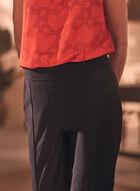 Stitch Detail Pull-On Capris, Black