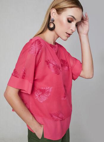 Blouse à motif feuilles ton sur ton, Rose,  printemps 2019, mousseline, superposition, bateau, manches kimono, broderies