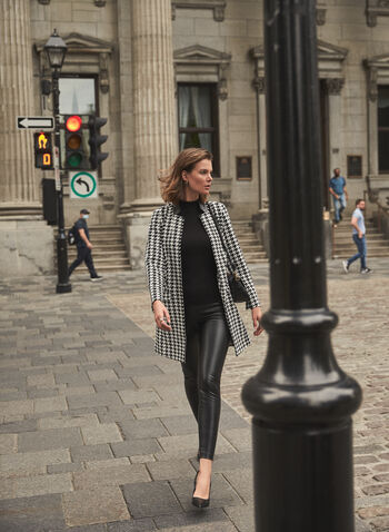 Pantalon à jambe étroite en cuir végane, Noir,  automne 2021, pantalon, cuir, faux cuir, cuir végan, jambe étroite, à enfiler, pull-on, coutures, points, ceinture large