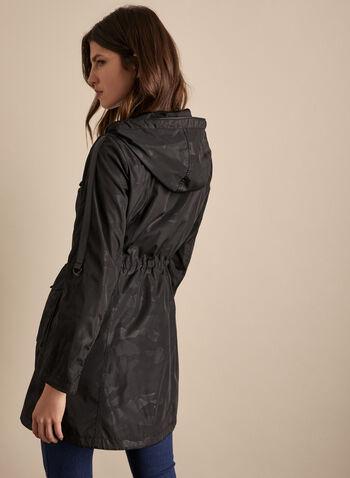 BCBGerenation - Anorak à capuchon, Noir,  printemps été 2020, manteau, anorak, BCBGeneration, capuchon, camouflage, motif, poches, manches longues, cordon de serrage