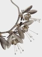 Collier métallique ras du cou à fleurs et perles, Noir, hi-res
