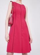 Maggy London - Robe ajustée et évasée à détails ajourés, Rouge, hi-res