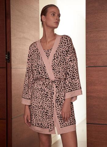 Peignoir à motif animal, Rose,  tenue de nuit, pyjama, peignoir, robe de chambre, ouvert à l'avant, manches kimono 3/4, ceinture à nouer, bordures contrastantes, motif animal, automne hiver 2021, détente
