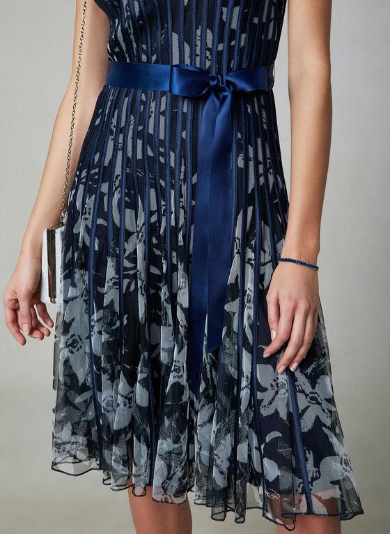 Robe fleurie à bandes satinées, Bleu