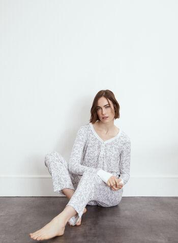 Ensemble pyjama à motif paisley, Gris,  exclusivité en ligne, ensemble pyjama, 2 pièces, haut, pull, chandail, pantalon, encolure V, boutons, manches longues, poignets contrastants, tricot côtelé, motif paisley, modèle à enfiler, pull-on, jambe droite, ruban à nouer, automne hiver 2021