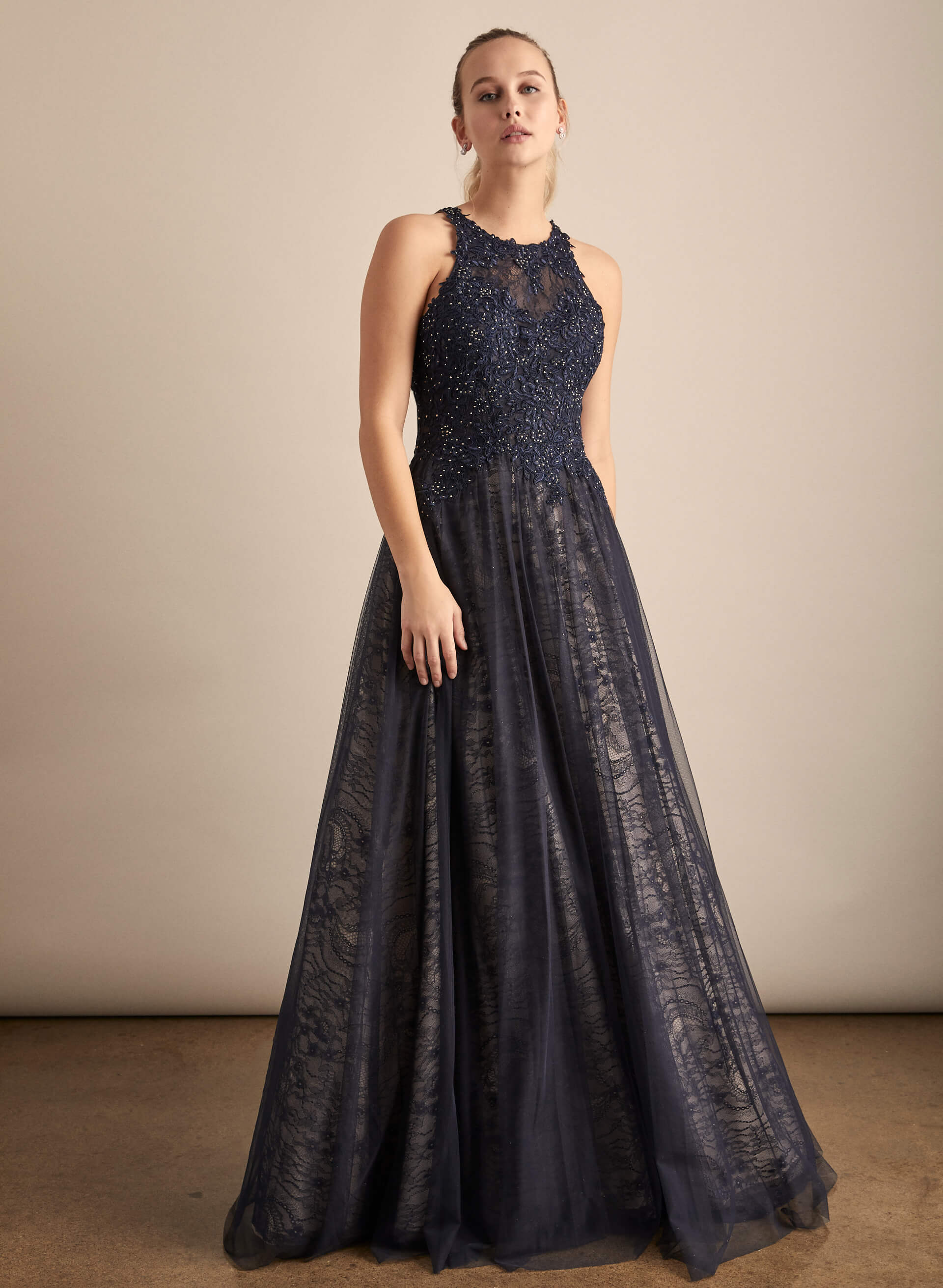 Prom - Melanie Lyne - 2020 - BA Nites - Robe de bal à broderies et maille filet